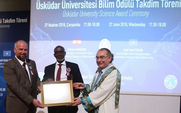 Üsküdar Üniversitesi'nden Bilim Ödülü